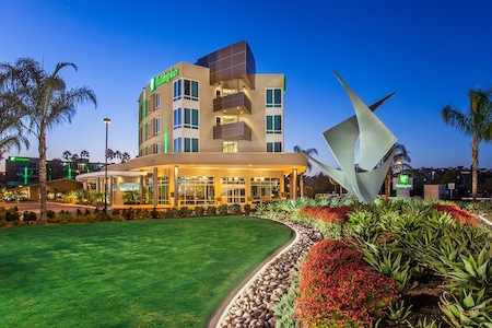 Holiday Inn Bayside Property
