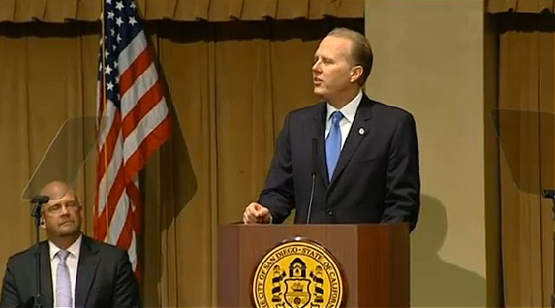 Mayor Kevin Faulconer speaks after being sworn into office