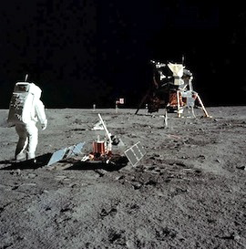 Astronaut Buzz Aldrin on the moon's surface and the Lunar Module Eagle during the Apollo 11 extravehicular activity. (Photo/NASA)