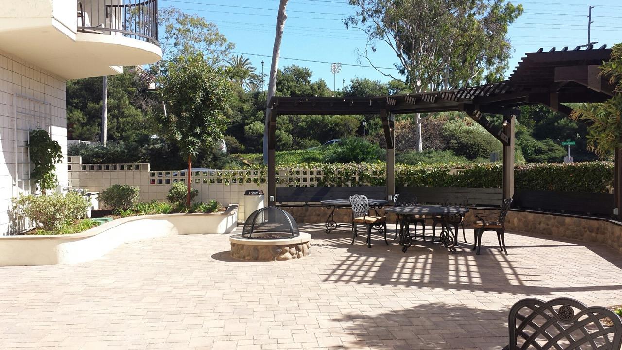 Patio at the San Antonio De Padua student housing building.