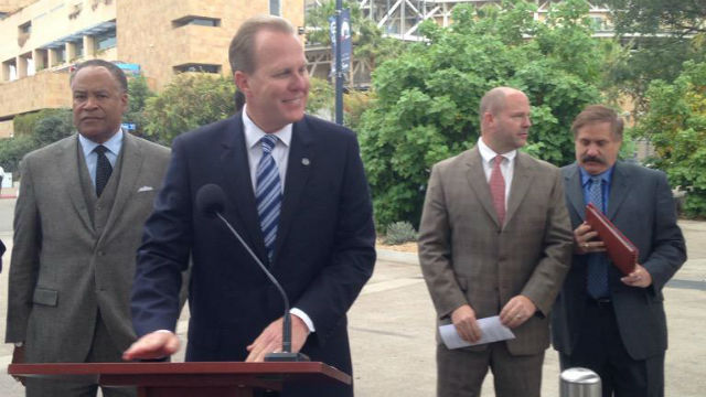 Mayor Kevin Faulconer introduces members of the stadium task force.