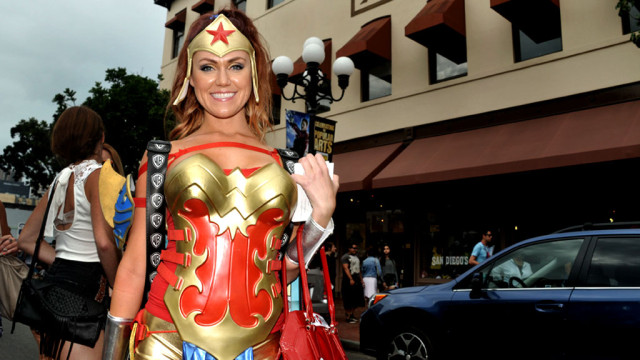 Star-studded action figure on Fifth Avenue in the Gaslamp Quarter during the 2014 Comic-Con.
