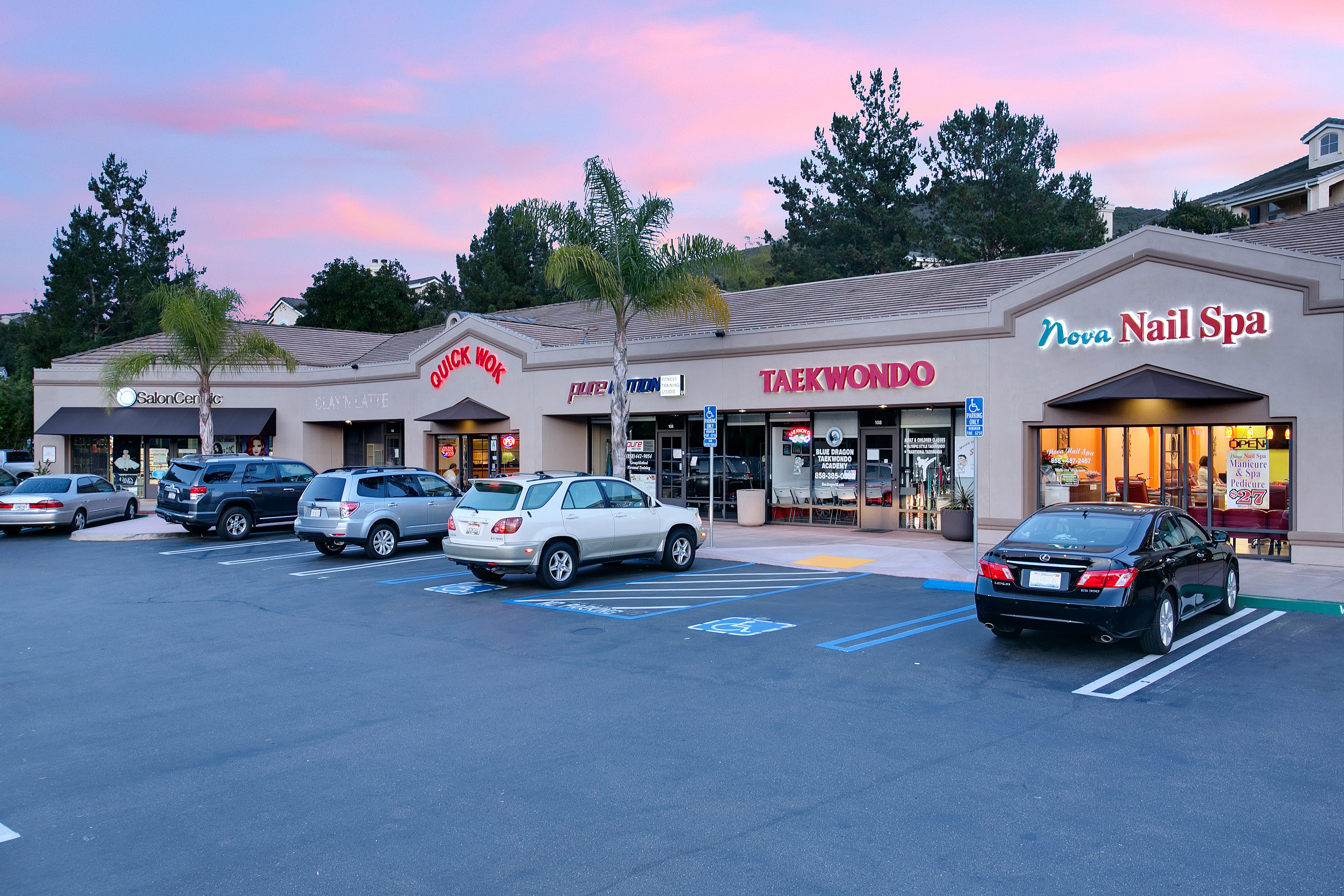 Retail center in Carmel Mountain Ranch