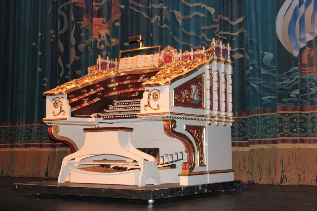 Balboa Theatre's Wonder Morton Organ